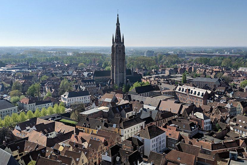 比利時-布魯日-由鐘樓遠眺聖母教堂