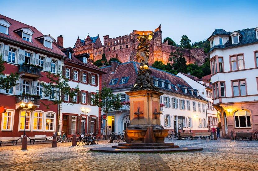 德國-海德堡-由舊城區的穀物市場欣賞海德堡城堡