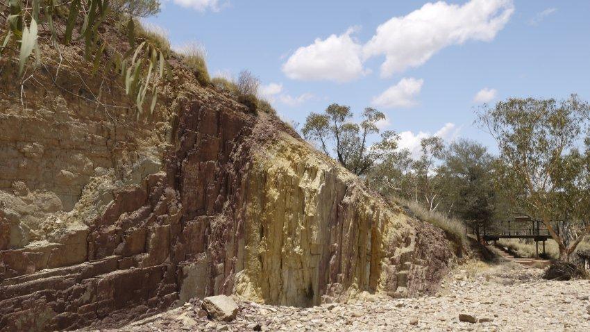 澳洲-West MacDonnell Ranges-Ochre Pits