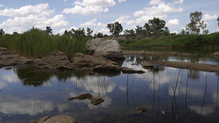 澳洲-West MacDonnell Ranges-Glen Helen Gorge