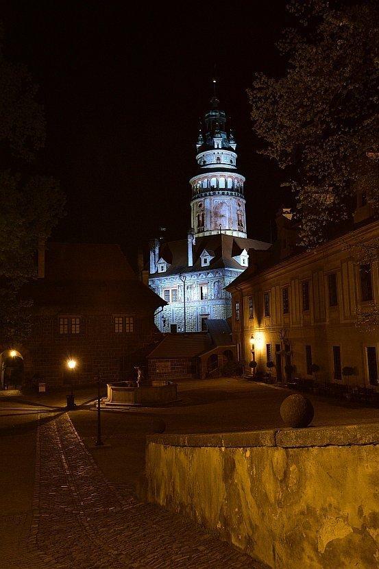 捷克-庫倫洛夫-庫倫洛夫城堡-第二庭院彩繪塔