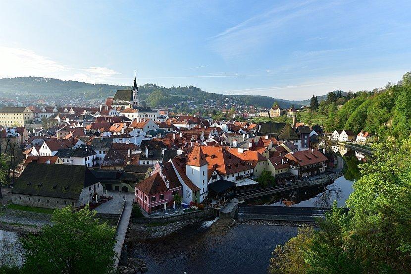 捷克-庫倫洛夫-庫倫洛夫城堡-由斗篷橋俯瞰舊城區