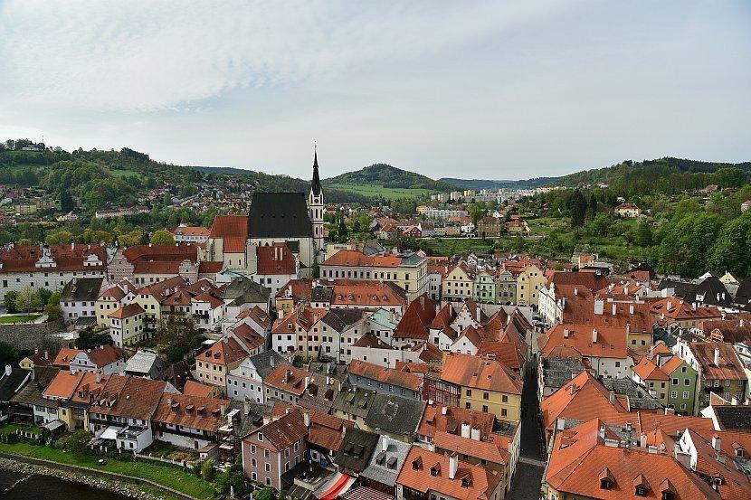 捷克-庫倫洛夫-庫倫洛夫城堡-由彩繪塔俯瞰舊城區