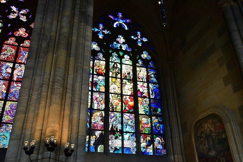 捷克-布拉格-布拉格城堡-聖維特大教堂-慕夏製作的彩繪玻璃