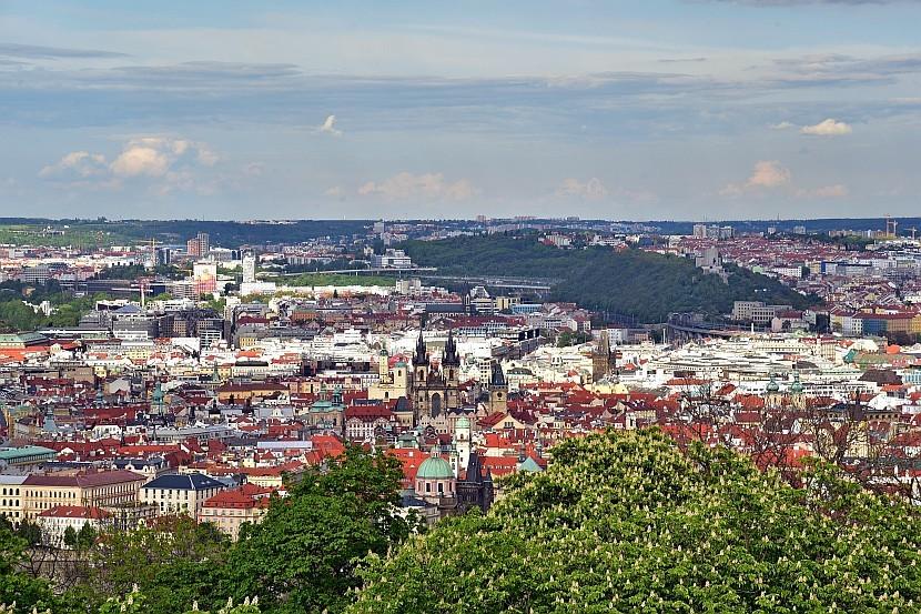 捷克-布拉格-佩特任瞭望塔看舊城區