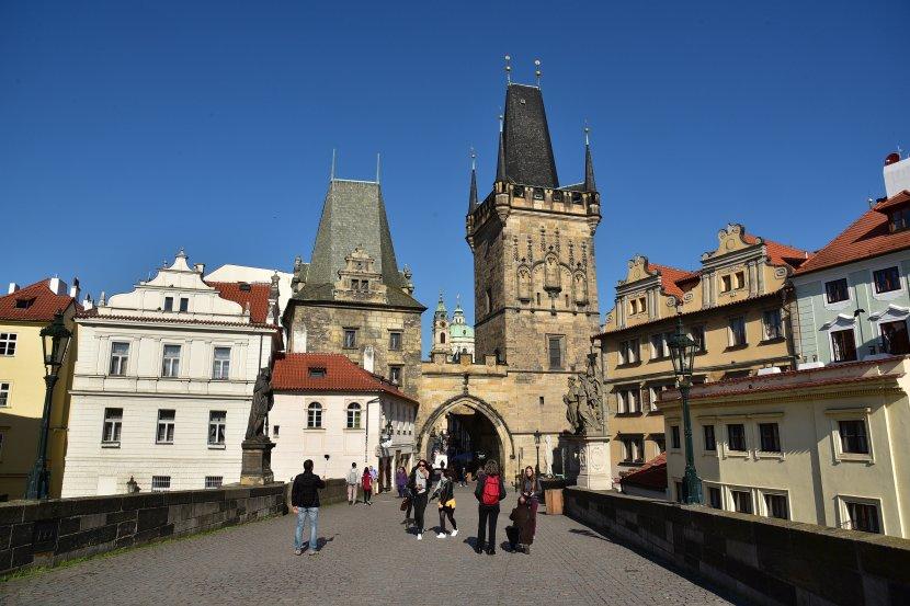 捷克-布拉格-小城區-查理大橋小城區側的橋塔