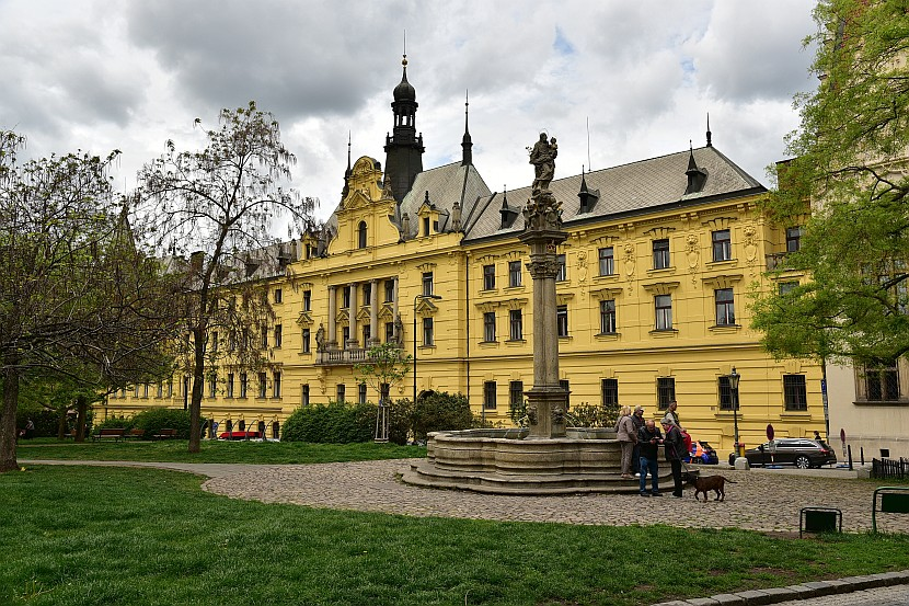 捷克-布拉格-新城區-查理廣場