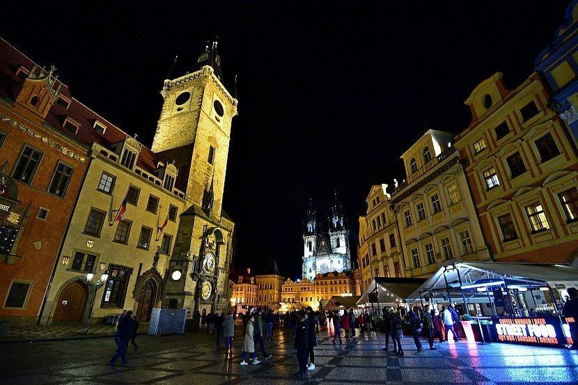 捷克-布拉格-舊城廣場-舊市政廳與泰恩教堂