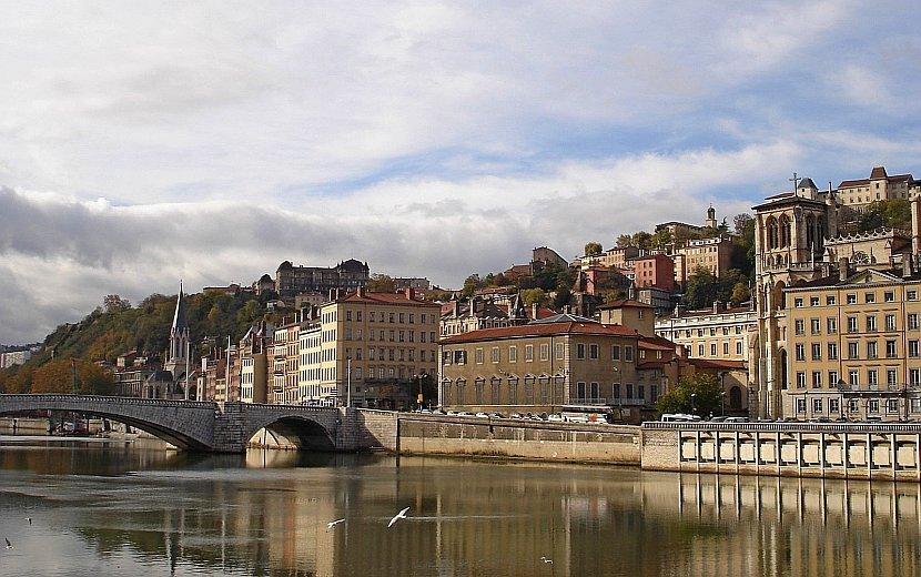 法國-里昂-索恩河