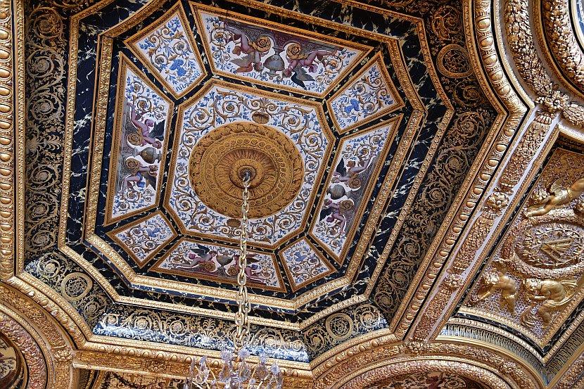 法國-巴黎-楓丹白露宮-奧地利的安妮的寢間