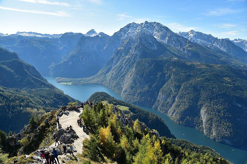 德國-貝希特斯加登-由耶拿峰俯瞰國王湖