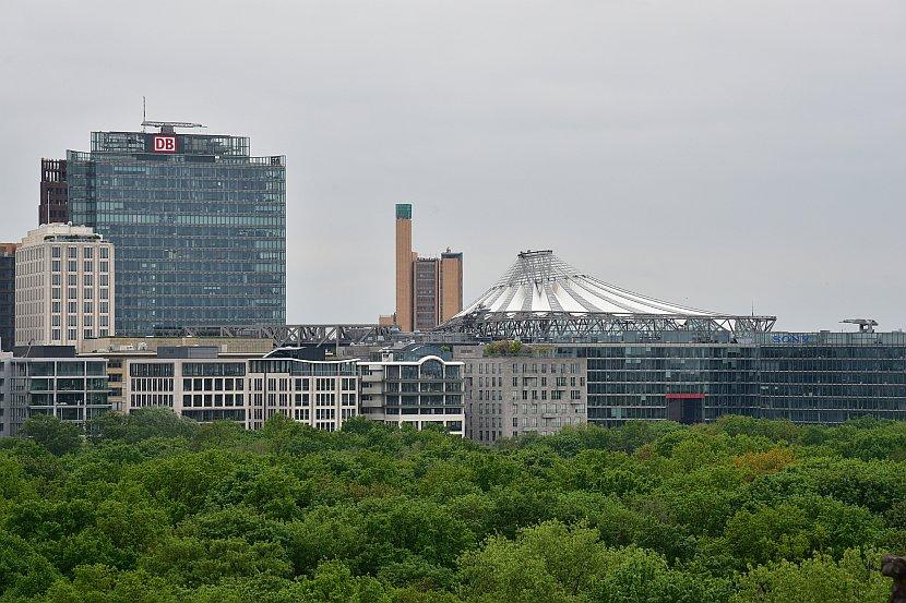 德國-柏林-由德國國會大廈頂樓欣賞波茲坦廣場