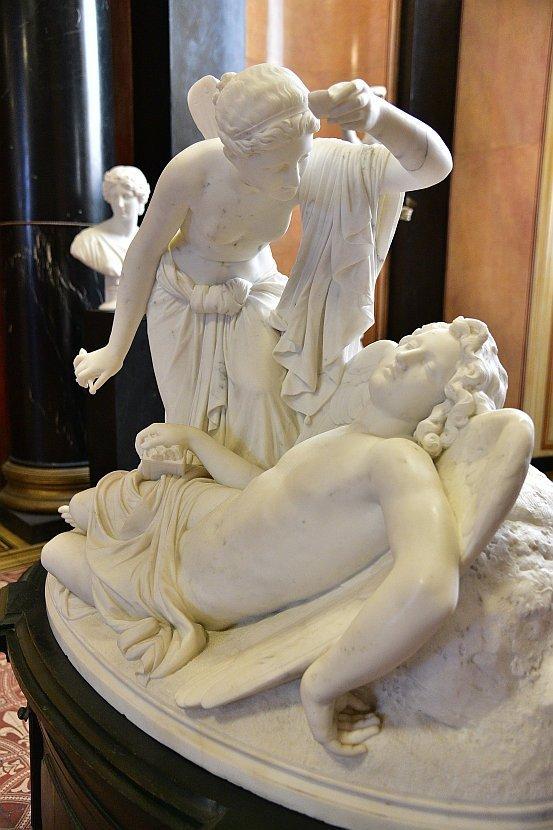 德國-柏林-博物館島-舊國家美術館-普西莎與愛神