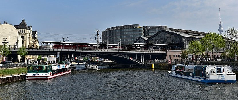 德國-柏林-柏林腓特烈大街車站