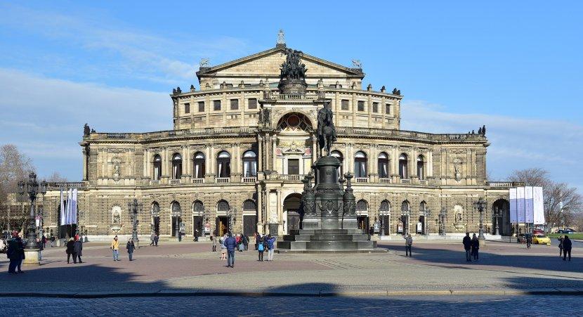 德國-德勒斯登-森柏歌劇院