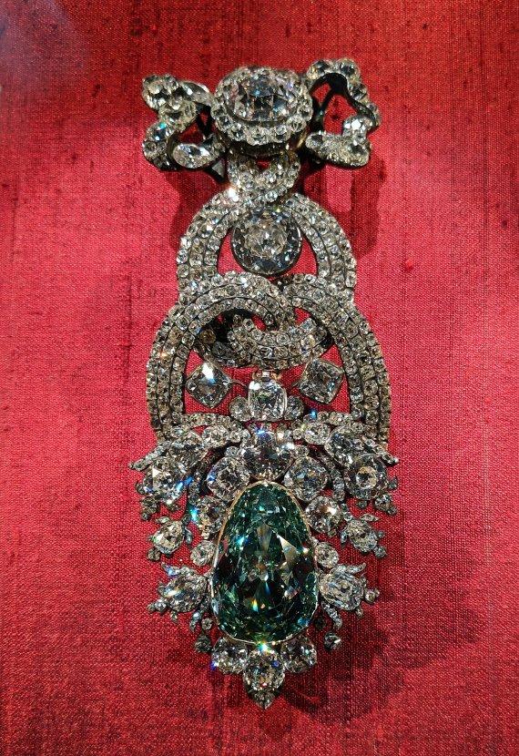 德國-德勒斯登-新綠穹珍寶館-德勒斯登綠鑽石