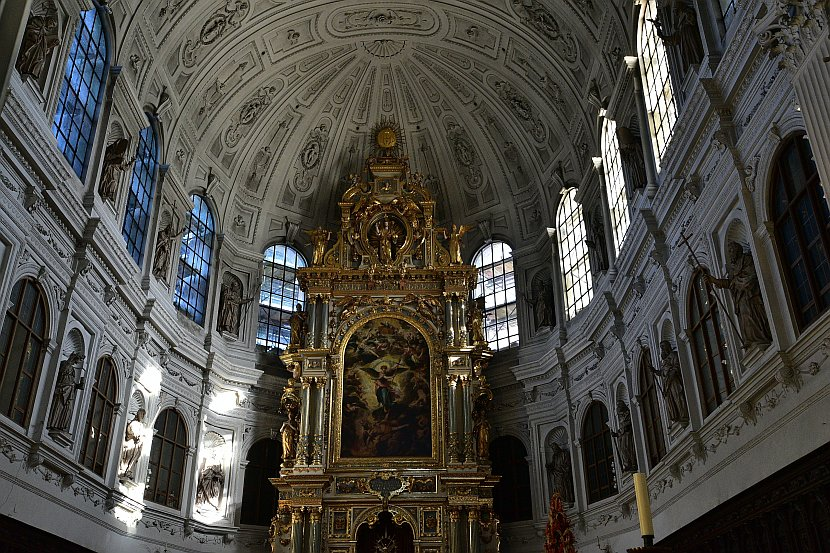 德國-慕尼黑-聖彌額爾教堂