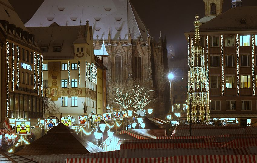 germany-nurnberg-christmas-market-_1160654-1-4033