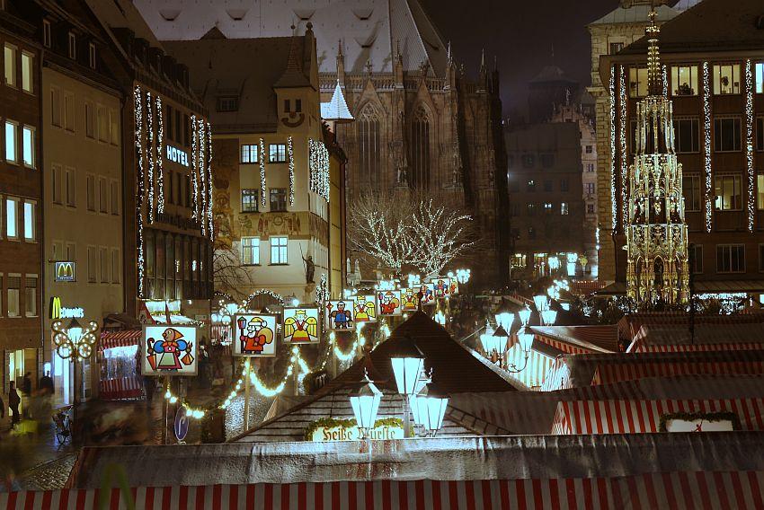 紐倫堡聖誕市集Christkindlesmarkt夜景