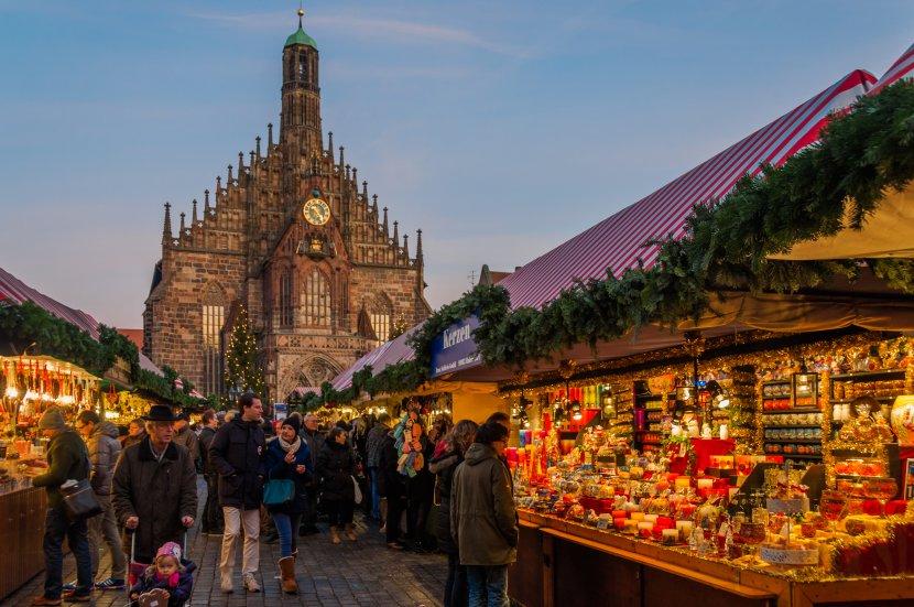 德國-紐倫堡-主廣場的聖誕市集