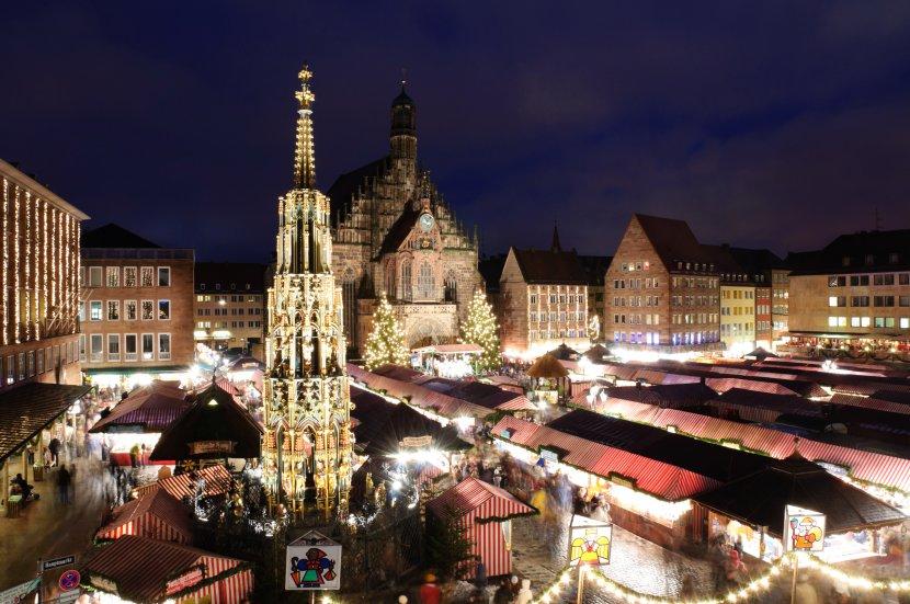 德國-紐倫堡-主廣場的聖誕市集與美泉