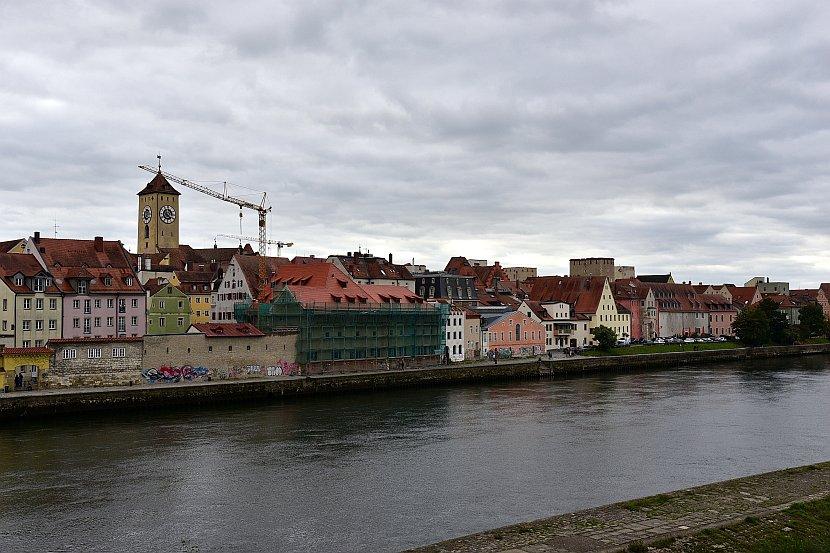德國-雷根斯堡-多瑙河畔與石橋