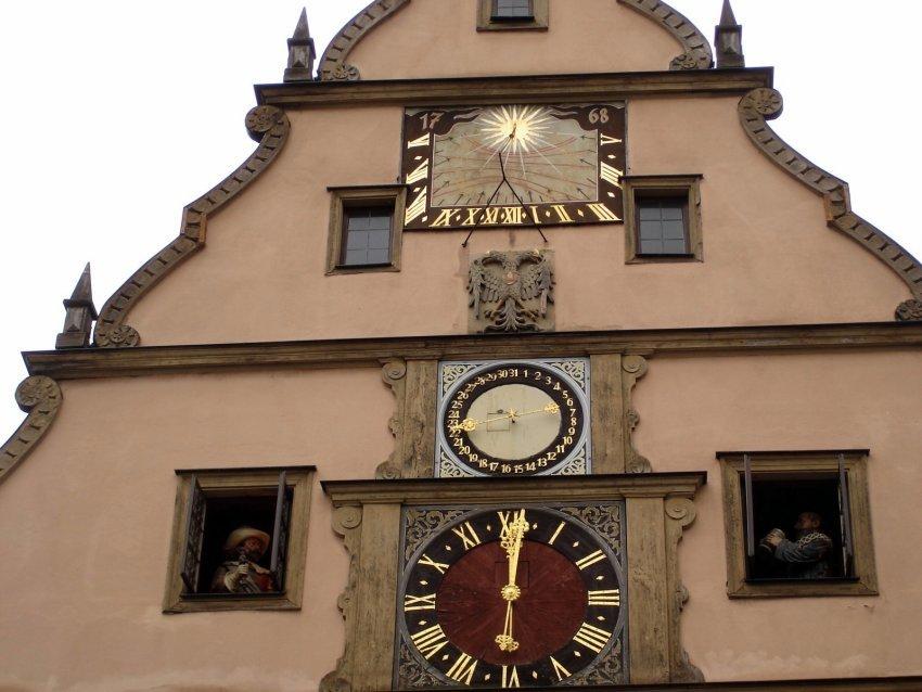 德國-羅騰堡-「勝負一飲」自動鐘
