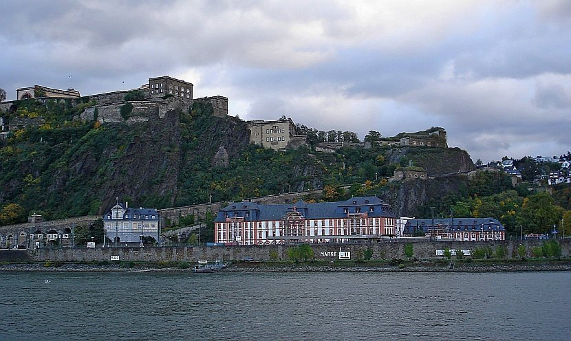 德國-萊茵河-科布林茲-艾倫普萊特史坦要塞