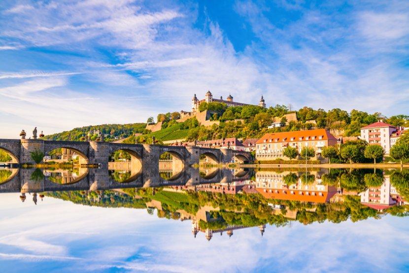 德國-符茲堡-舊美因橋與瑪莉恩堡要塞