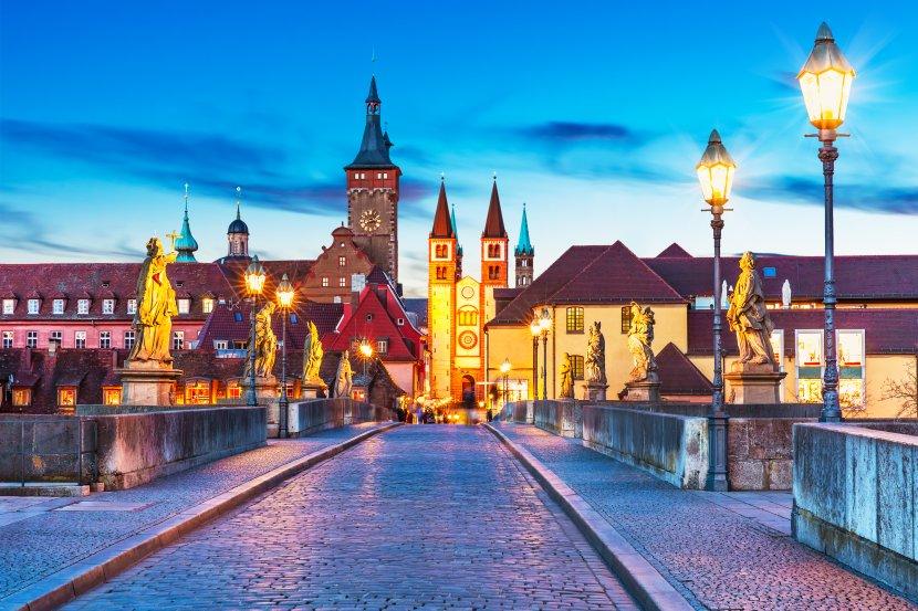 德國-符茲堡-由舊橋欣賞舊城區