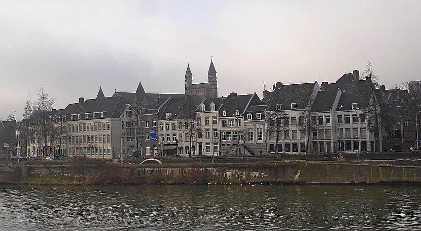 荷蘭-馬斯垂克-聖瑟法斯橋看舊城區