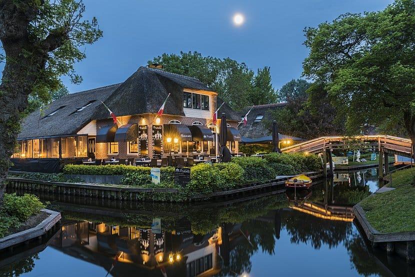 荷蘭-阿姆斯特丹近郊-羊角村(Giethoorn)夜景