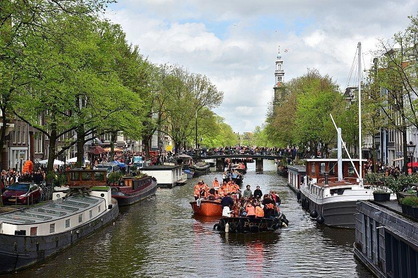 荷蘭-阿姆斯特丹-國王節-運河區