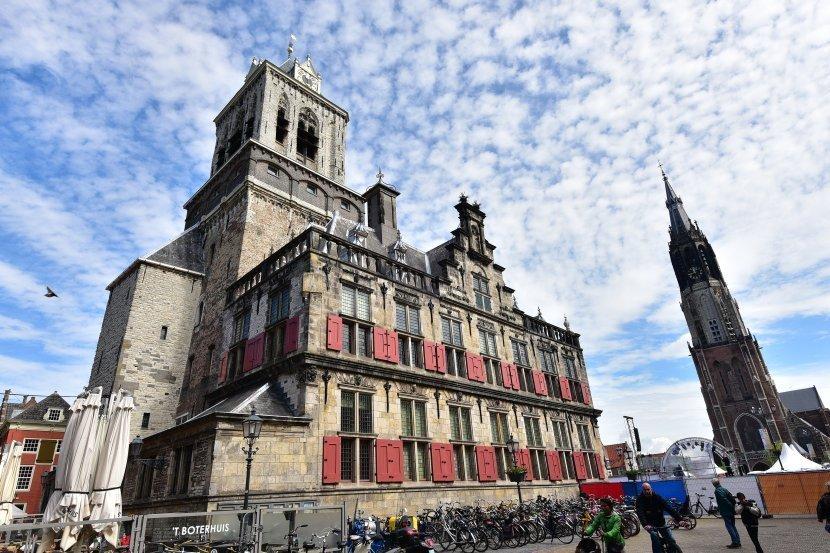 荷蘭-台夫特-市集廣場-新教堂與市政廳