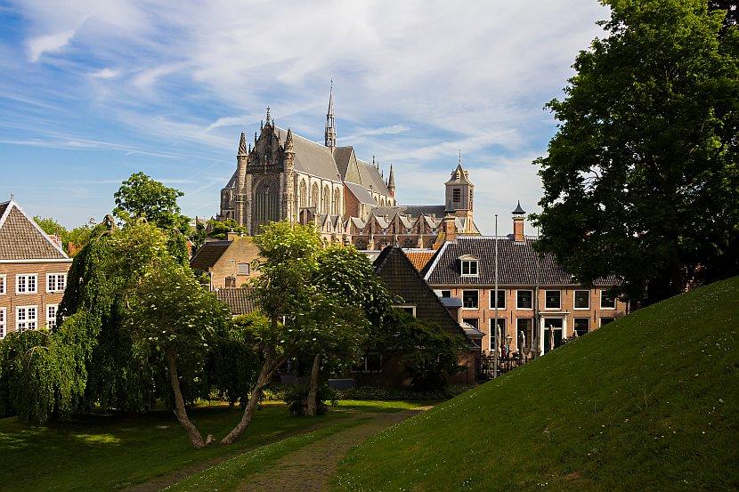 荷蘭-萊登--城牆De Burcht