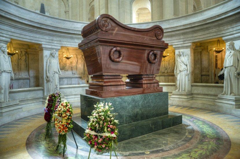 法國-巴黎-傷兵院圓頂教堂拿破崙棺木