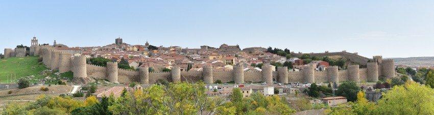 西班牙-阿維拉-城牆