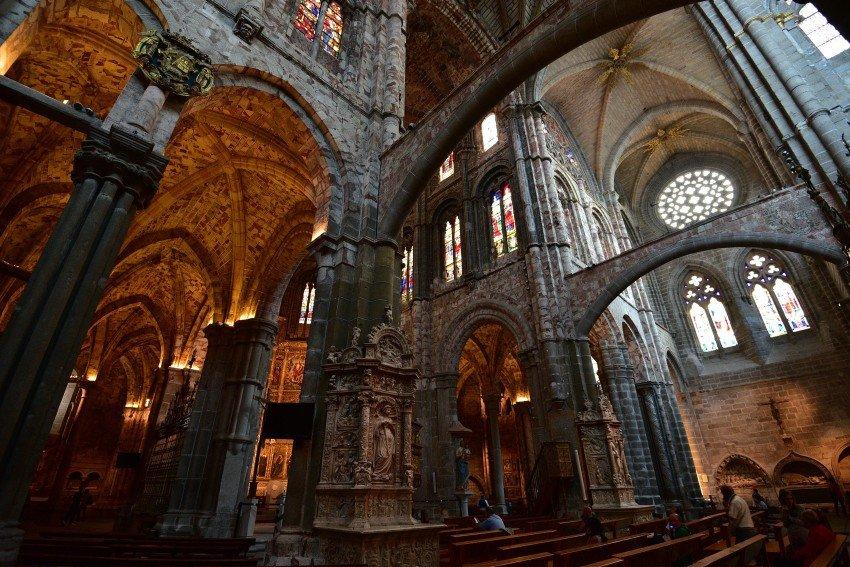 西班牙-阿維拉-阿維拉主教座堂